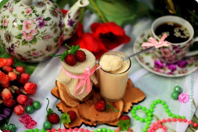 Пусть ваше утро будет добрым, а весна дарит маленькие радости.Приглашаю вас на чай)  Весенний чай☕ Утро. Слышны трели соловья Солнышко в окно ко мне стучится. Приглашает нас на чай весна, Самовар во всю уже дымится!  Ароматный и цветочный чай Разливает медленно по кружкам И со мной заводит разговор, Словно я ей лучшая подружка.  Одурманив нежной красотой Стала я счастливой на мгновенье! Я сегодня чай пила с весной  Чувствуя ее прикосновение! Юля Вегера  Фото Натальи Чередниченко фото 11