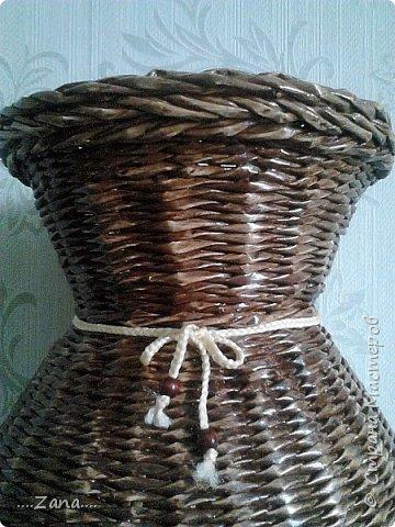 попросили сплести напольную вазу,похожую на те,что плела ранее.но,так как плету очень редко,волновалась,что получится.а повторяться не хотелось.создалась немного другая ваза,судить вам,как получилась.надеюсь заказчику понравится. фото 16