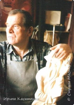 Хочу продолжить вас знакомить с творчеством моего дедушки Северухина Юрия Михайловича.Как я уже писала в первой части-он был разносторонним человеком и кроме живописи и графики увлекался ещё резьбой по дереву.Даже вёл кружок для ребят.Дерево — едва ли не самое его сильное увлечение. Здесь он-философ, лирик . Увлеченный естественной природной формой материала он искал свой пластический образ. Для него хождение в лес не только приятная прогулка, но и раздумья, очищение, как в Храме. фото 10