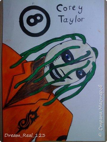 """Дело было вечером, делать было нечего. Сидела слушала музыку и подумала: """"А чтобы нарисовать?"""". В итоге фантазии хватило только на этот шедевр. Нашла плотный лист, акварель и гуашь. Через 4 дня вышло это. Инфо о Кори Тейлоре на википедии(все знающий сайт :D) фото 7"""