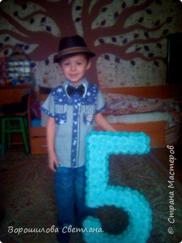 24 апреля моему любимому сыночку исполняется пять лет,поэтому захотела сделать ему пятерочку для фотосессии.Так как со всяким черчением-вычислением я совсем не дружу,решила максимально упростить процесс.Может кому пригодится эта идея. фото 11