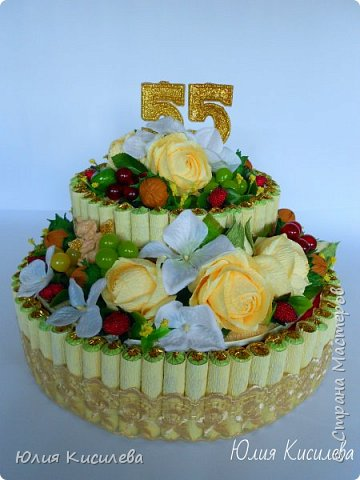 Торт из конфет на юбилей. Конфеты Roshen Konafetto, в розочках АВК Трюфель Оригинальный. фото 1
