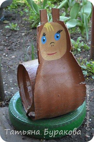 Приветствую всех, кто зашел ко мне в гости. Хочу показать Вам сказочный уголок в нашем дворе. Все фигурки сделаны моей мамой за два летних сезона. Приятного просмотра. фото 23