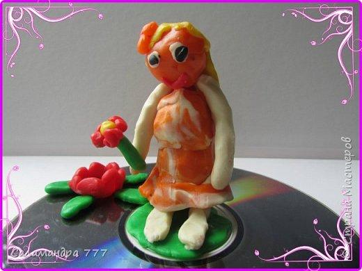 Очень понравилось Сонюше украшать рисунками пасхальные яички! Много сделала!..  фото 3