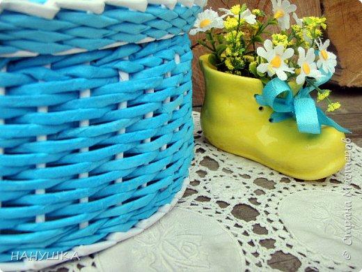 ВСЕМ ДОБРОГО,СОЛНЕЧНОГО,РАДОСТНОГО ВЕСЕННЕГО ДНЯ!!!У нас весна шагает семимильными шагами,каждый день происходит чудо,все цветет,все благоухает.На улице  цветочный рай.Абрикоса и вишня,персик и яблоня радуют нас своим обильным цветением.Цветы на любой цвет и вкус)))И приходит вдохновения творить тоже красоту и радовать себя и вас мои дорогие коллеги.Сплелась у меня шкатулка. фото 6