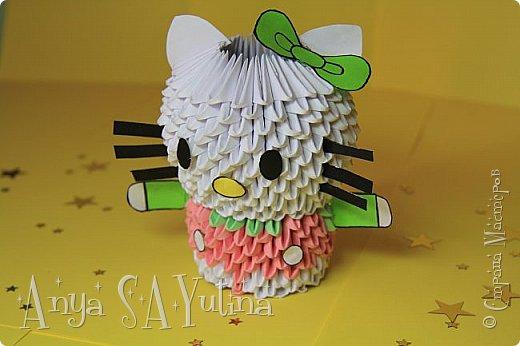 Здравствуйте) Сейчас я вам расскажу и покажу, как делать эту Hello Kitty техникой модульное оригами. Чтобы посмотреть урок, спуститесь чуть ниже по странице:) фото 5