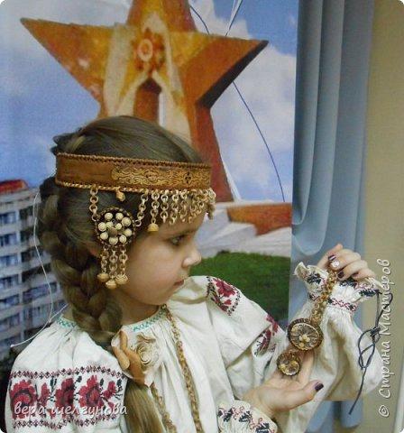 Работы сделанные  для конкурса Росатом береста Даниила очелье и украшение на шею фото модель Юля и Аленка. фото 2