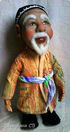 """Вот такой дедушка из Средней Азии появился в моей коллекции. Назвала Азизом, так как это имя обозначает """"дорогой,почитаемый,драгоценный"""". Рост 26 см  фото 5"""