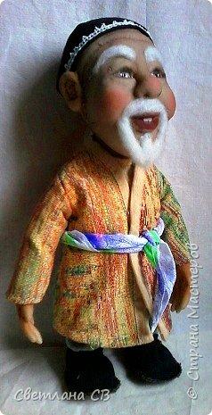 """Вот такой дедушка из Средней Азии появился в моей коллекции. Назвала Азизом, так как это имя обозначает """"дорогой,почитаемый,драгоценный"""". Рост 26 см  фото 3"""