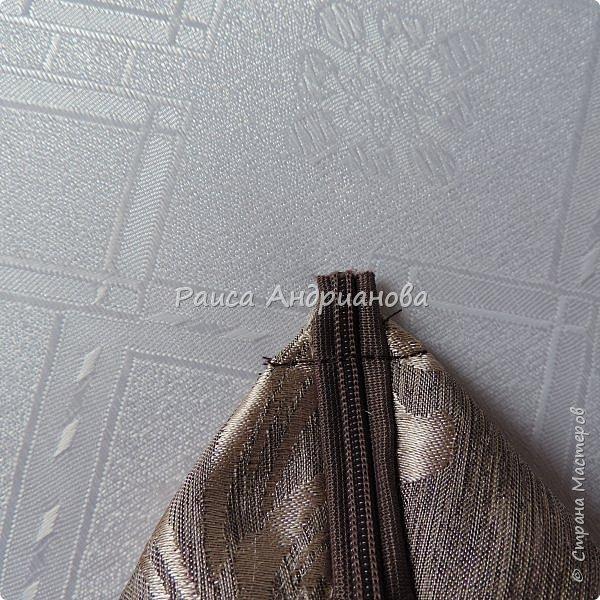 На ваш суд представляю свою новую работу.   Понадобится: ткань основная, подкладочная, синтепон, лента(ширина 1-1,3см) двух цветов, бусинки, нитки. фото 16