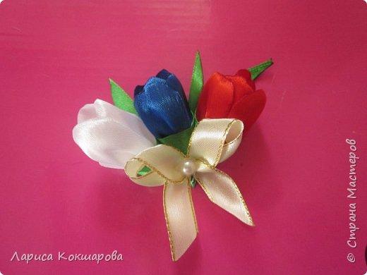 Цветовая гамма - триколор, соответсвующая празднику, пробовала сделать по разному, училась у местных мастериц. фото 2