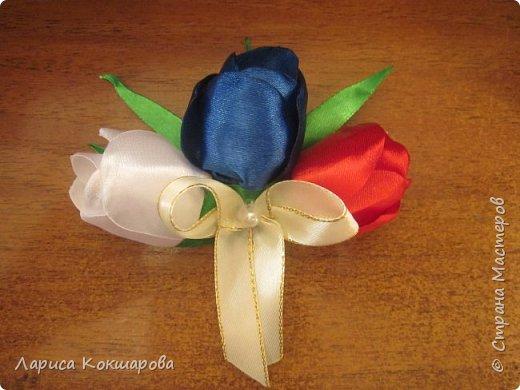 Цветовая гамма - триколор, соответсвующая празднику, пробовала сделать по разному, училась у местных мастериц. фото 4