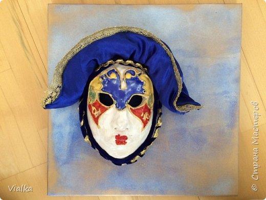 моя первая работа: Венецианская маска. Впервые работала с глиной, слепила маску,ну а потом идея создать и красиво ее оформить. Много подглядела у других мастериц, которые оформляли свои маски .Вот что у меня вышло фото 6