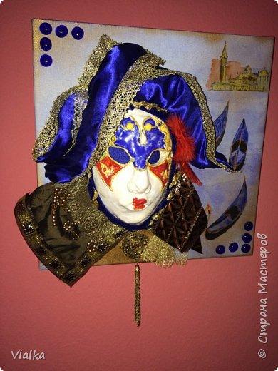 моя первая работа: Венецианская маска. Впервые работала с глиной, слепила маску,ну а потом идея создать и красиво ее оформить. Много подглядела у других мастериц, которые оформляли свои маски .Вот что у меня вышло фото 8