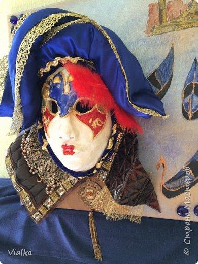 моя первая работа: Венецианская маска. Впервые работала с глиной, слепила маску,ну а потом идея создать и красиво ее оформить. Много подглядела у других мастериц, которые оформляли свои маски .Вот что у меня вышло фото 9