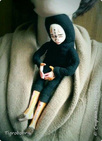 Доброго дня! Буквально сегодня утром доделала куклёныша.  фото 10