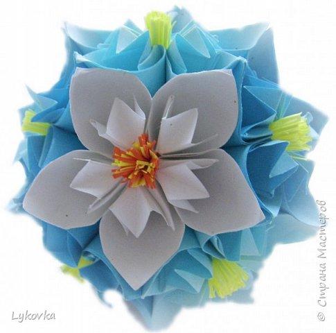 Всем доброго времени суток! Очень рада всем заглянувшим в гости! Букетик у меня сегодня не совсем обычный, каждый цветок это вариация классической цветочной  кусудамы Mio Tsugawa.  фото 17