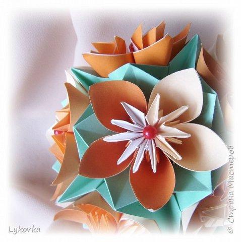 Всем доброго времени суток! Очень рада всем заглянувшим в гости! Букетик у меня сегодня не совсем обычный, каждый цветок это вариация классической цветочной  кусудамы Mio Tsugawa.  фото 4
