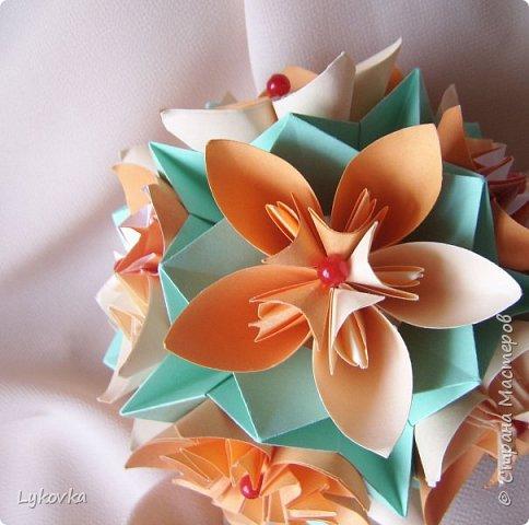 Всем доброго времени суток! Очень рада всем заглянувшим в гости! Букетик у меня сегодня не совсем обычный, каждый цветок это вариация классической цветочной  кусудамы Mio Tsugawa.  фото 9