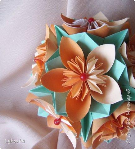 Всем доброго времени суток! Очень рада всем заглянувшим в гости! Букетик у меня сегодня не совсем обычный, каждый цветок это вариация классической цветочной  кусудамы Mio Tsugawa.  фото 5