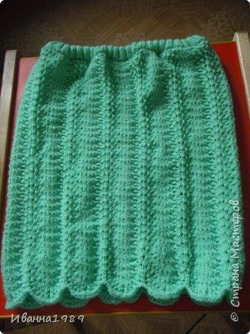 Привет всем соседям Страны Мастеров. Сегодня я к вам со своими работами - юбками. Эту юбку я связала еще зимой и только сегодня вставила в нее резинку. Получилось очень интересно и оригинально. Подумываю о ее продаже (если все получится) фото 1