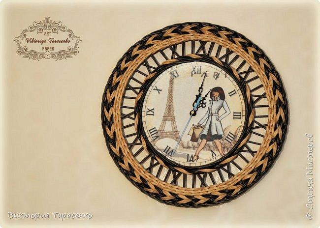 """Здравствуйте дорогие мастера и гости сайта! Два поста в один день, решила часы выложить отдельно, многие просили МК часов, особо и Мк это не назвать, старалась запечатлеть все моменты, сделала описание, для начинающих надеюсь будет понятно, ну а для матёрых плетильщиц это уже семечки:-))) Диаметр часов """"Парижанка"""" 35см. Вокруг циферблата  веревочки в три трубочки МК Ричардс http://stranamasterov.ru/node/390898?t=451 , после верёвочки полукоса и по краю перед переходом к бортику """"Настина коса"""" Мария Калининград http://stranamasterov.ru/node/566393?t=451 фото 1"""