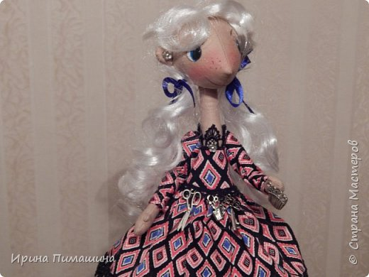 Груня работает стилистом в престижном салоне.Все инструменты у нее всегда под рукой! фото 1