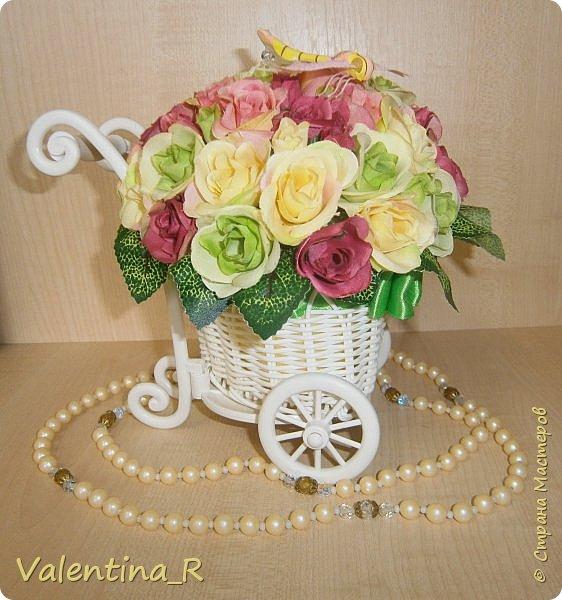 Букетик из искусственных роз в приятной цветовой гамме будут радовать зимой и летом. Прекрасное украшение любого интерьера или хороший подарок на праздник. Цветы никогда не завянут!  фото 1