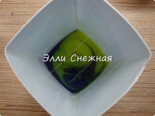 """Сегодня мы с вами сделаем мыло со свирлами. Можно сделать сразу несколько одинаковых мылец с похожим рисунком, если отлить мыльце в виде бруска, а потом разрезать на """"порции"""". фото 11"""