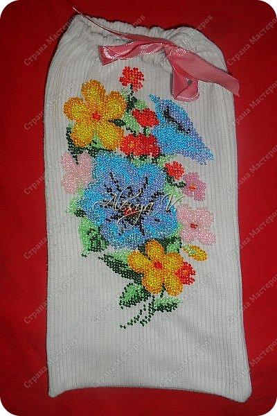 Украсила вышивкой бисером школьную блузку дочке вот такими божьими коровками: фото 3