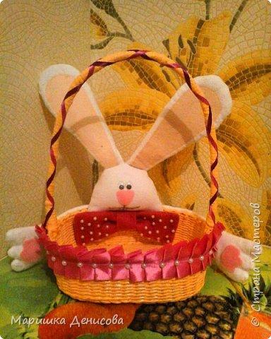 пасхальная корзинка для детей с зайчиком!!!!!эта корзинка сделана для детского сада,оцените!