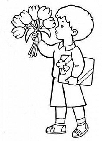 День весенний, Суетливый, День весёлый И красивый — Это мамин день. День торжественный, Парадный, День подарочный, Наградный — Это мамин день! День взволнованный, Прилежный, День цветочный, Добрый, нежный — Это мамин день!  (Михаил Садовский)  Для праздничного оформления окон вырезала портреты мам. Использовала рисунки из детских раскрасок... фото 26