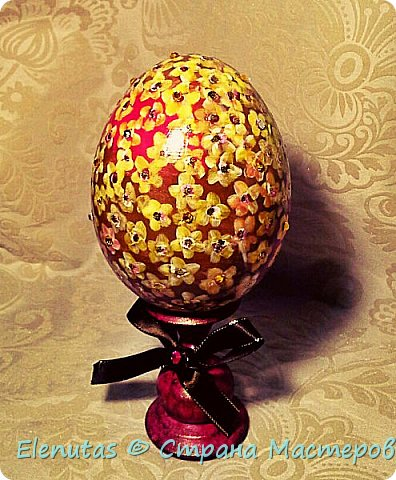 Доброе утро,Страна! Сегодня я с двумя изделиями. Это пасхальное яйцо (роспись акрилом,глиттеры,стразы) фото 1
