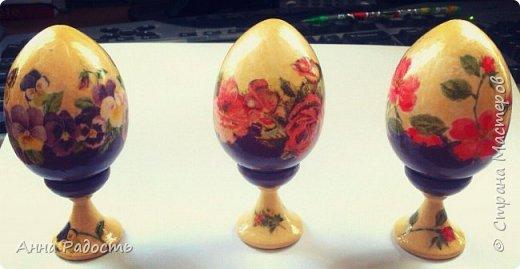 Декупаж деревянных яиц на подставочках. фото 1