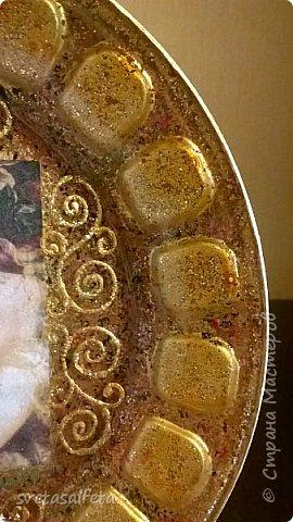 Эту тарелку делала  к Новому году.Тарелка керамика,прямой декупаж салфетки и роспись  акриловыми красками и серебряными глитерами фото 8