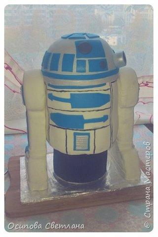 Привет, Страна Мастеров)  Стесняюсь сознаться, но я одна из тех кто очень любит «Звездные войны», поэтому была безумно рада возможности сделать тортик по одному из моих любимых персонажей – R2D2.  фото 1
