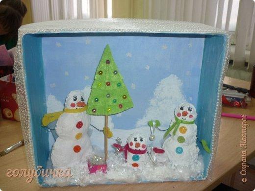 Эти поделки мы с ребятами сделали на выставку в нашем Доме детского творчества. В ход шло не только соленое тесто, но и макароны, потолочная плитка, пайетки и многое - многое другое! Этот рождественский сапожок выполнен из соленого теста. фото 9