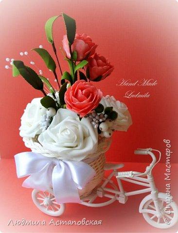 """Вот такие декоративные велосипедики превращаются у меня в сувениры) Ими можно украсить любое помещение, создать уют и даже подарить подарок!  Подарок """"Дыхание весны"""" Фиалка сказочный цветок, Никто не может с этим спорить. Созданье дивной красоты И удивительных историй!  фото 12"""