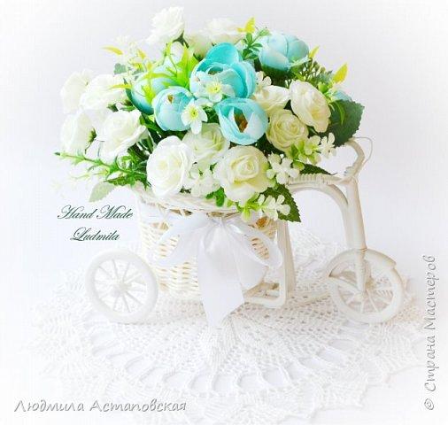 """Вот такие декоративные велосипедики превращаются у меня в сувениры) Ими можно украсить любое помещение, создать уют и даже подарить подарок!  Подарок """"Дыхание весны"""" Фиалка сказочный цветок, Никто не может с этим спорить. Созданье дивной красоты И удивительных историй!  фото 7"""