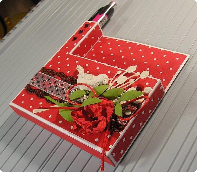 Продолжаю показ.... На 8 марта нужно было что то делать для подарков, и что то быстрое и качественное, и вспомнились мне Олины магнитики..  вот такие у Олюшки были в разработке, http://stranamasterov.ru/node/742304  и я приступила... какая была бумага в заначке с такой и делала... фото 29