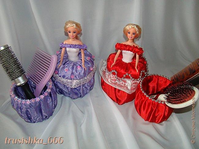 Доброго всем утречка! Сегодня я с очередной порцией красоты! Два набора женских - кукла шкатулка и подставка под расчески! Делала на заказ для подруги моей мамы. В прошлый свой отпуск она увезла два набора таких для своих подруг, а в этот раз одна из них пожелала набор для своей дочки и знакомой. Вот такие близняшки получились. Как вам? фото 1