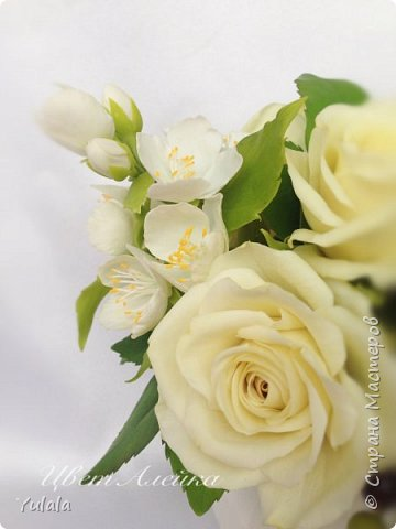 """Здравствуйте! Такой букет заказали на юбилей свадьбы. Для """"молодых"""" посылка была сюрпризом. Переживали с заказчицей, понравиться ли подарок. Вроде не подвела я. Делала повтор работы Чайные розы. фото 3"""