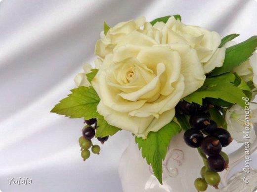 """Здравствуйте! Такой букет заказали на юбилей свадьбы. Для """"молодых"""" посылка была сюрпризом. Переживали с заказчицей, понравиться ли подарок. Вроде не подвела я. Делала повтор работы Чайные розы. фото 4"""