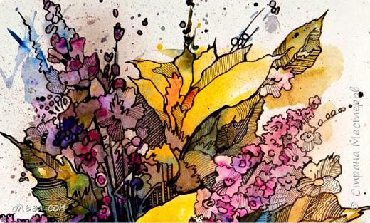 Попробовала сделать что-то новое для себя))). Размер картинки примерно 40х60, бумага пол ватмана натянута на деревянный планшетик. Акварельными заливками и набрызгом сделала букет цветов, а украсила элементами зентангла.  Использовала краски акриловые,краску- спрей золотого цвета, чёрный маркер и гелевую ручку. Вот что получилось у меня. Интересная техника, хочется сделать ещё что-нибудь в этом духе).  фото 3