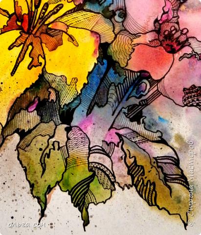 Попробовала сделать что-то новое для себя))). Размер картинки примерно 40х60, бумага пол ватмана натянута на деревянный планшетик. Акварельными заливками и набрызгом сделала букет цветов, а украсила элементами зентангла.  Использовала краски акриловые,краску- спрей золотого цвета, чёрный маркер и гелевую ручку. Вот что получилось у меня. Интересная техника, хочется сделать ещё что-нибудь в этом духе).  фото 5