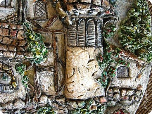Где-то он есть, этот замок из сказки, Радуга блещет, играя, звеня, Щедро раздаривая чудо-краски… …только в том замке, увы, нет меня. фото 5