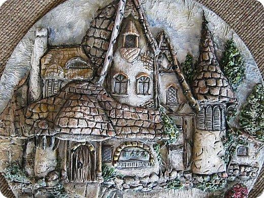 Где-то он есть, этот замок из сказки, Радуга блещет, играя, звеня, Щедро раздаривая чудо-краски… …только в том замке, увы, нет меня. фото 3
