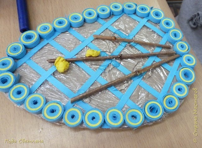 Маленький сувенир к пасхе можно сделать с детьми за 2-3 урока. И маленький МК   http://stranamasterov.ru/node/742600-пасхальный сувенир фото 7