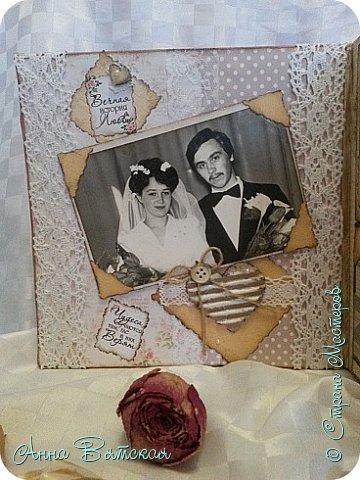Добрый день)))ну вот я и приготовила своим родителям подарки на юбилей свадьбы) альбом я показывала в прошлом посте)))а здесь только сердце в технике пейп-арта Танечки Сорокиной и заясы мои из соленого теста, раскрашенные под жениха  и невесту))))  фото 15