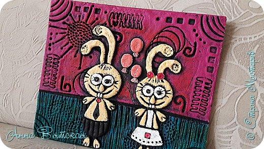 Добрый день)))ну вот я и приготовила своим родителям подарки на юбилей свадьбы) альбом я показывала в прошлом посте)))а здесь только сердце в технике пейп-арта Танечки Сорокиной и заясы мои из соленого теста, раскрашенные под жениха  и невесту))))  фото 12